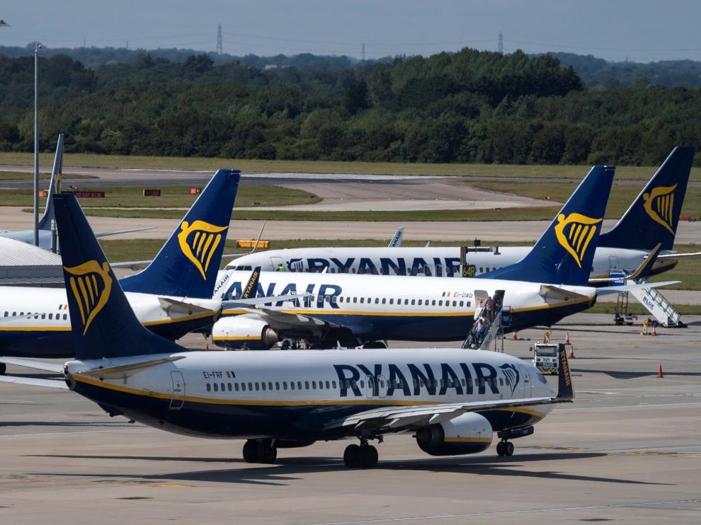 Varios aviones de la compañía Ryanair.