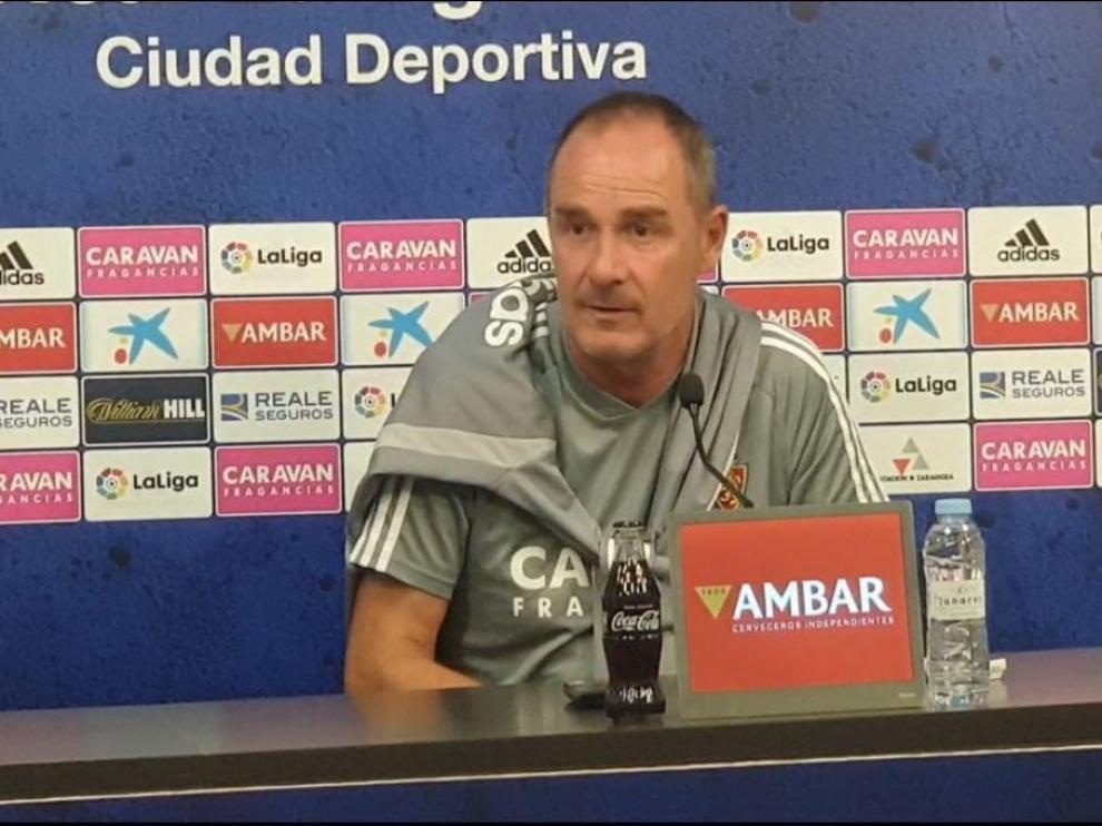 Víctor Fernández, al mediodía de este viernes en la rueda de prensa previa al partido de Ponferrada.