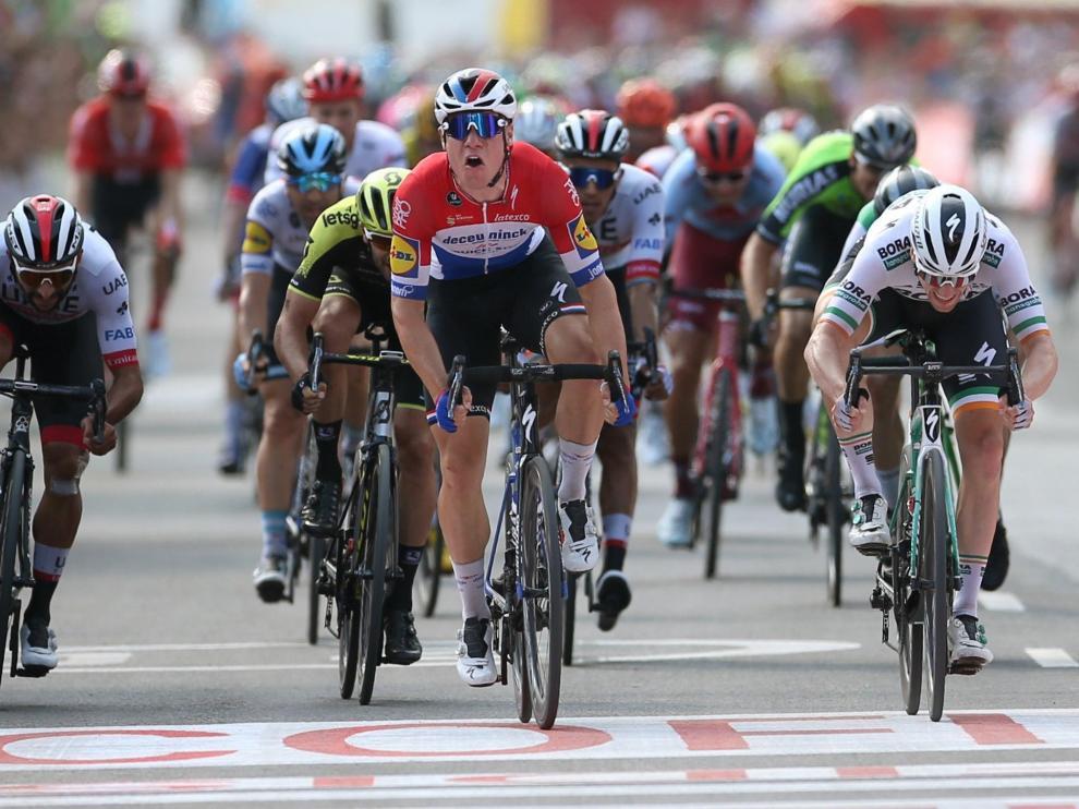 El holandés Jakobsen, vencedor de la cuarta etapa de la Vuelta a España.