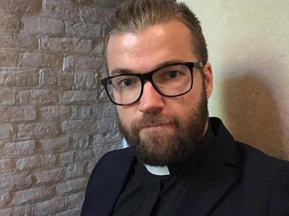 Oskar Arngården, sacerdote de una iglesia sueca.
