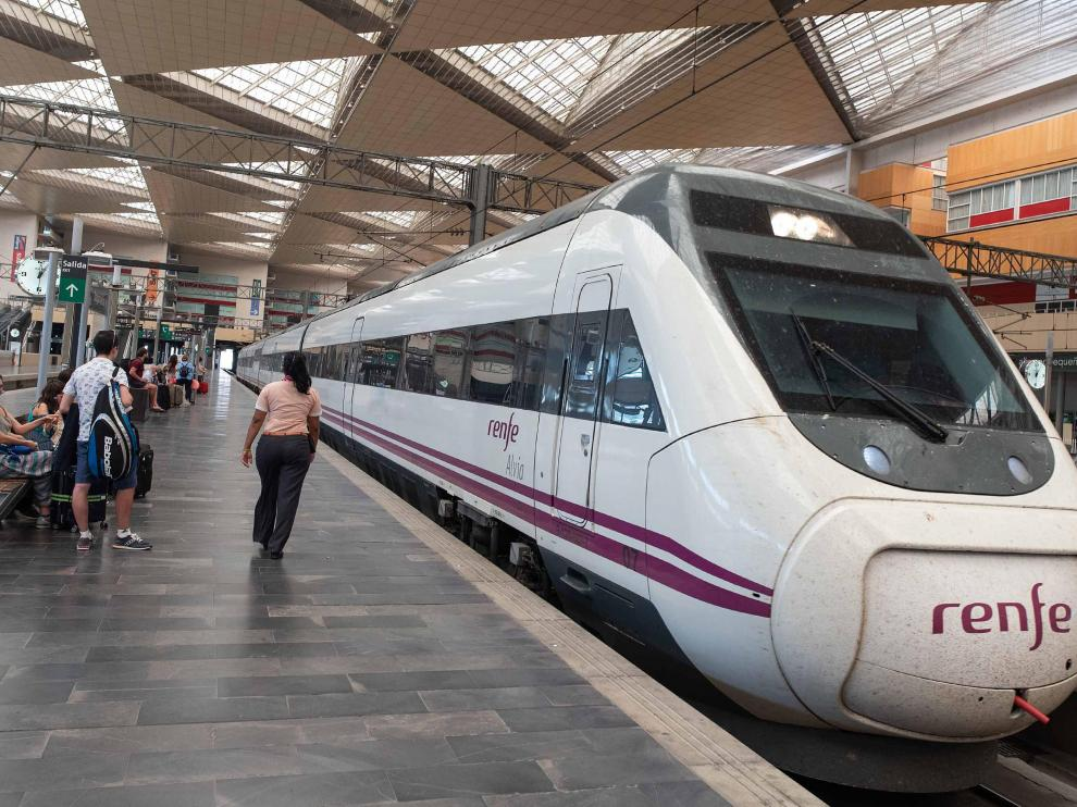La web de Renfe ya incluye la oferta promocional del nuevo tren AVCity Alvia para la conexión Zaragoza-Madrid a las 7.05 y Madrid-Zaragoza a las 21.30.
