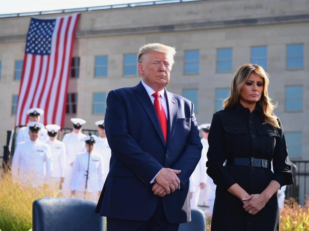 Donald Trump y Melania Trump en un acto de homenaje a las víctimas del 11-S en el Pentágono.