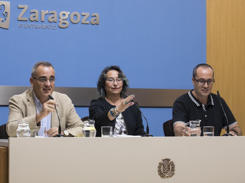 Luis Miguel García Vinuesa (PSOE), Amparo Bella (Podemos) y Alberto Cubero (ZEC), contra la supresión de cursos del Imefez.