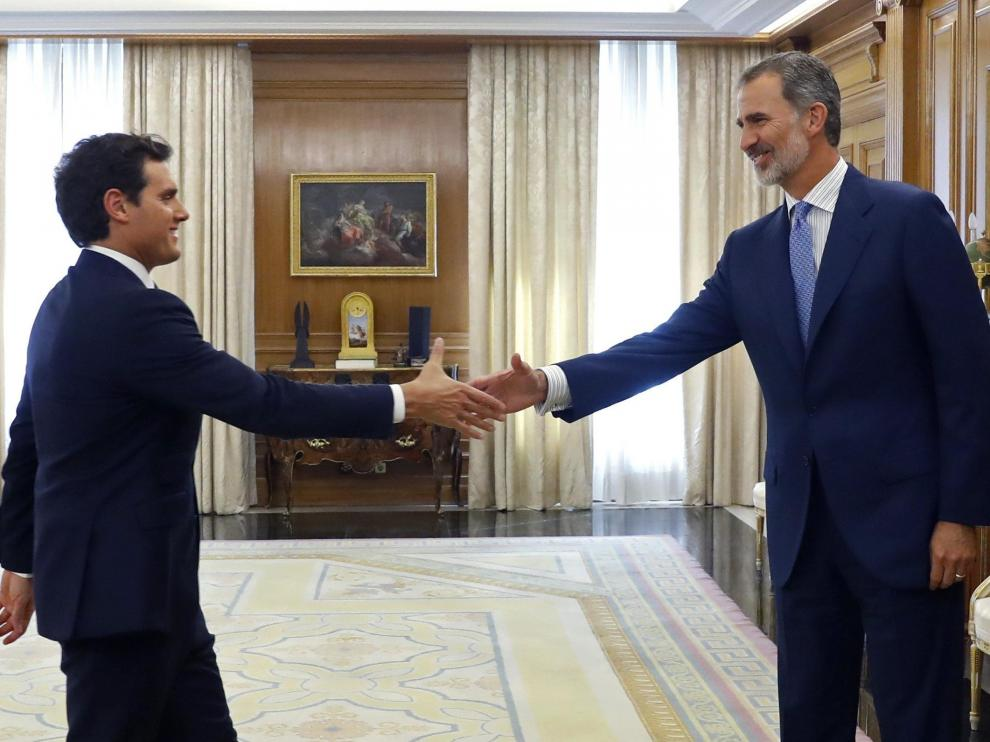 Albert Rivera se reúne con Felipe VI en el Palacio de la Zarzuela.
