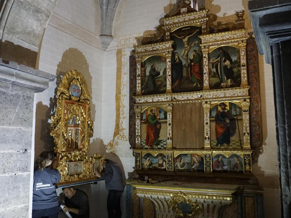 Imagen de los retablos de la Iglesia de Motos restaurados por la Fundación Santa María de Albarracín.
