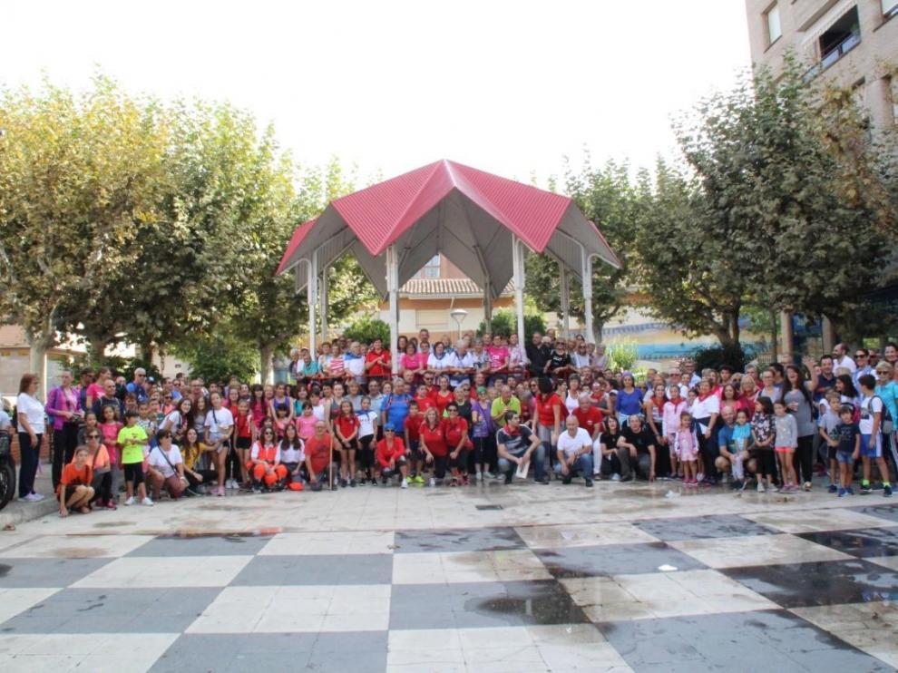 Alrededor de 450 personas participaron en la marcha Interbarrios. Ayuntamiento Barbastro.