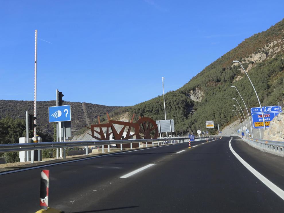 El tramo seguirá siendo bidireccional hasta que la próxima semana se abra como autovía la vieja N-330.