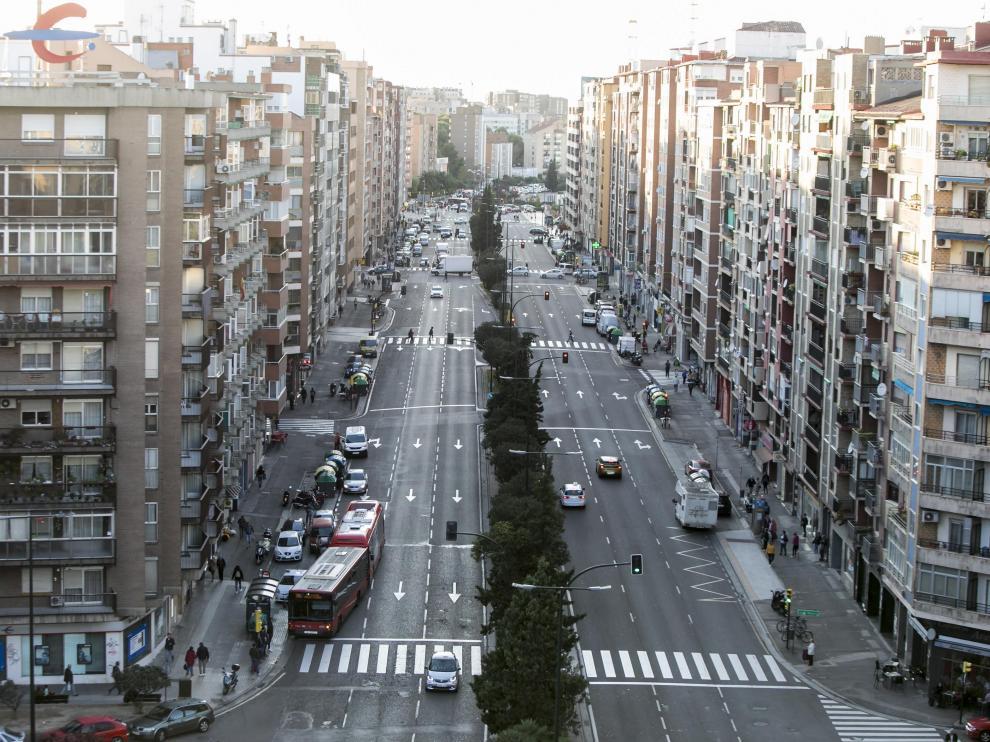 Vista de la avenida de Navarra, en el barrio de Las Delicias