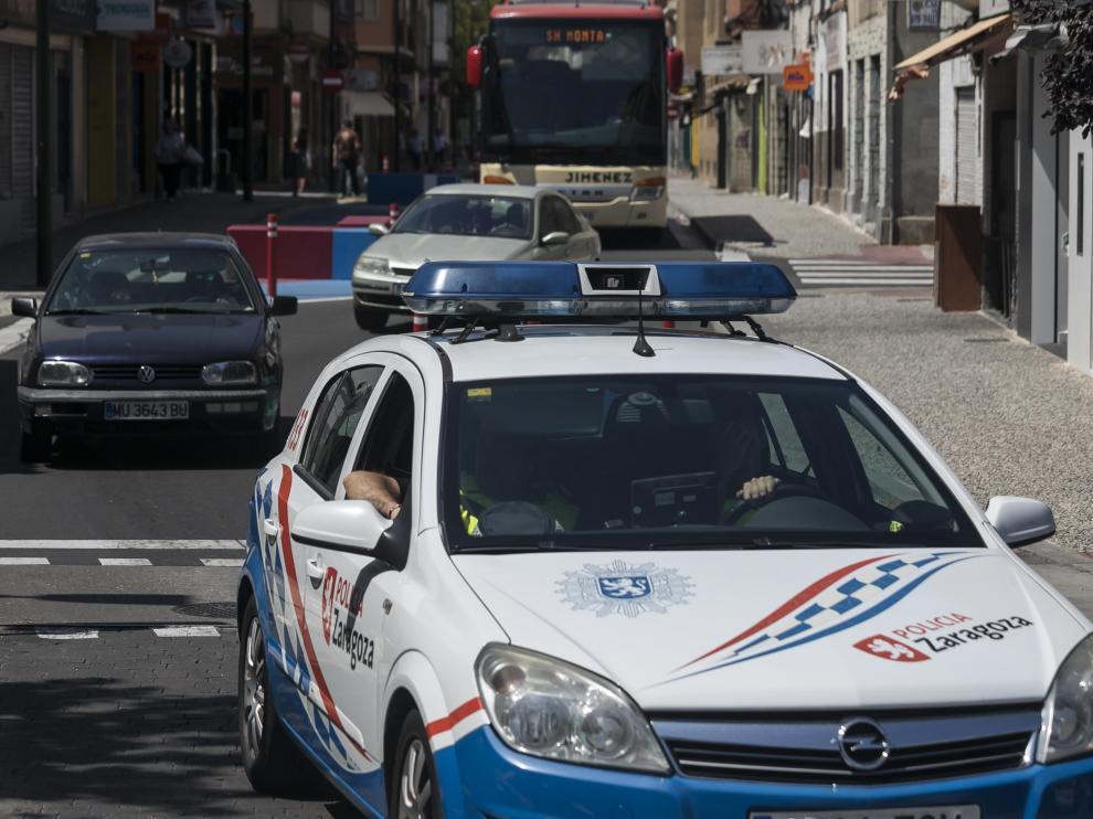 Un coche de la Policía Local de Zaragoza.