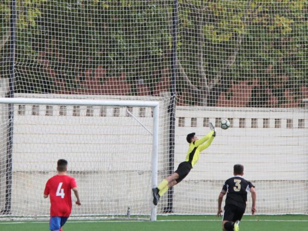 Fútbol. DH Cadete- Teruel vs. Amistad.