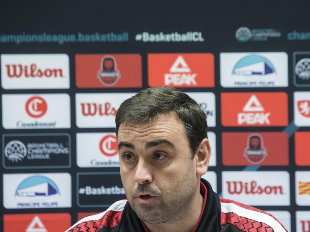 Sergio Lamúa, entrenador ayudante del Casademont, esta mañana en rueda de prensa.
