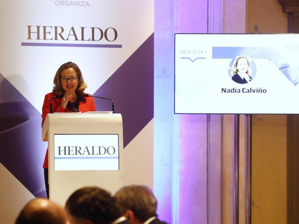 Imágenes de la visita de la ministra de Economía, Nadia Calviño, a Zaragoza, donde participa este miércoles en los Desayunos HERALDO.