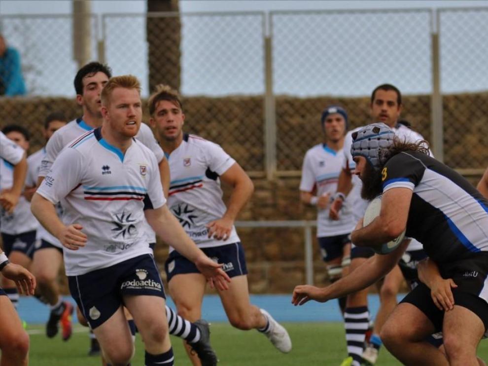 Defensa en el partido entre el Fénix Rugby y el Poble Nou, de esta temporada