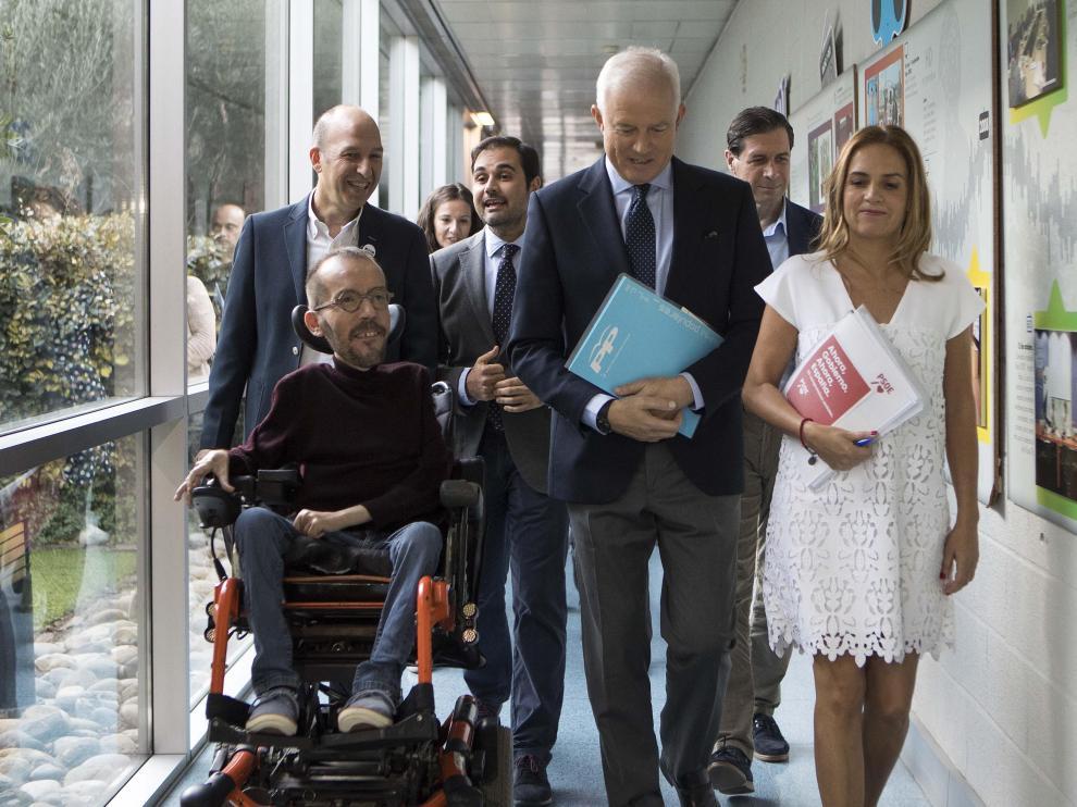 Los cabezas de lista al Congreso de los Diputados por Zaragoza, ayer minutos antes del debate de Aragón Televisión