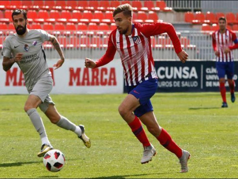 Darío Poveda, en un partido del Atlético de Madrid B contra la Ponferradina en la pasada liga, en Segunda B.