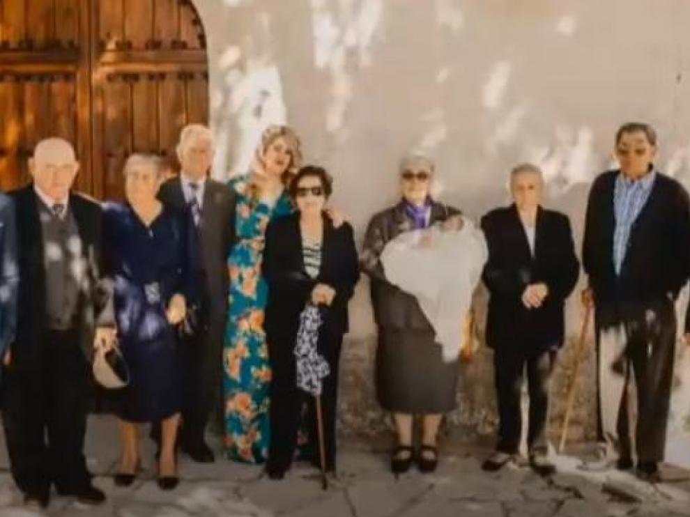 El bebé Sergio es bautizado en presencia de sus ocho bisabuelos