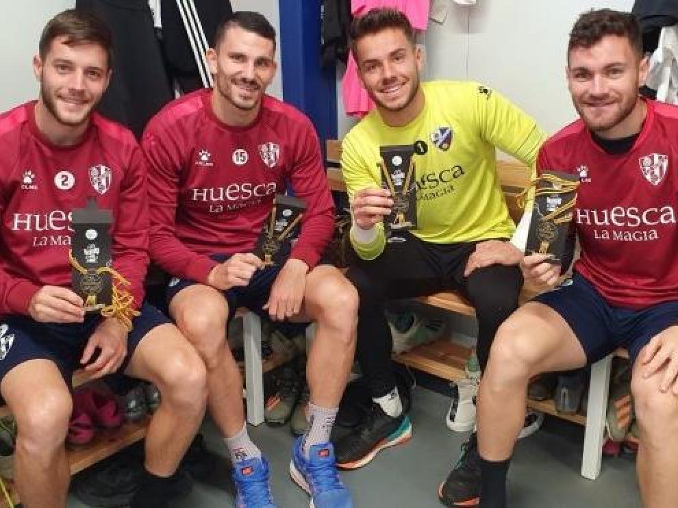 Miguelón, Datkovic, Álvaro y Galán, con los 'Cordones Dorados'.
