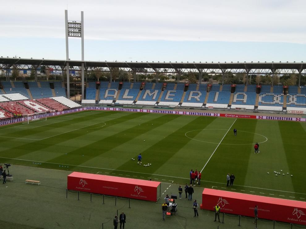 El estadio del Almería, a la llegada de los jugadores.