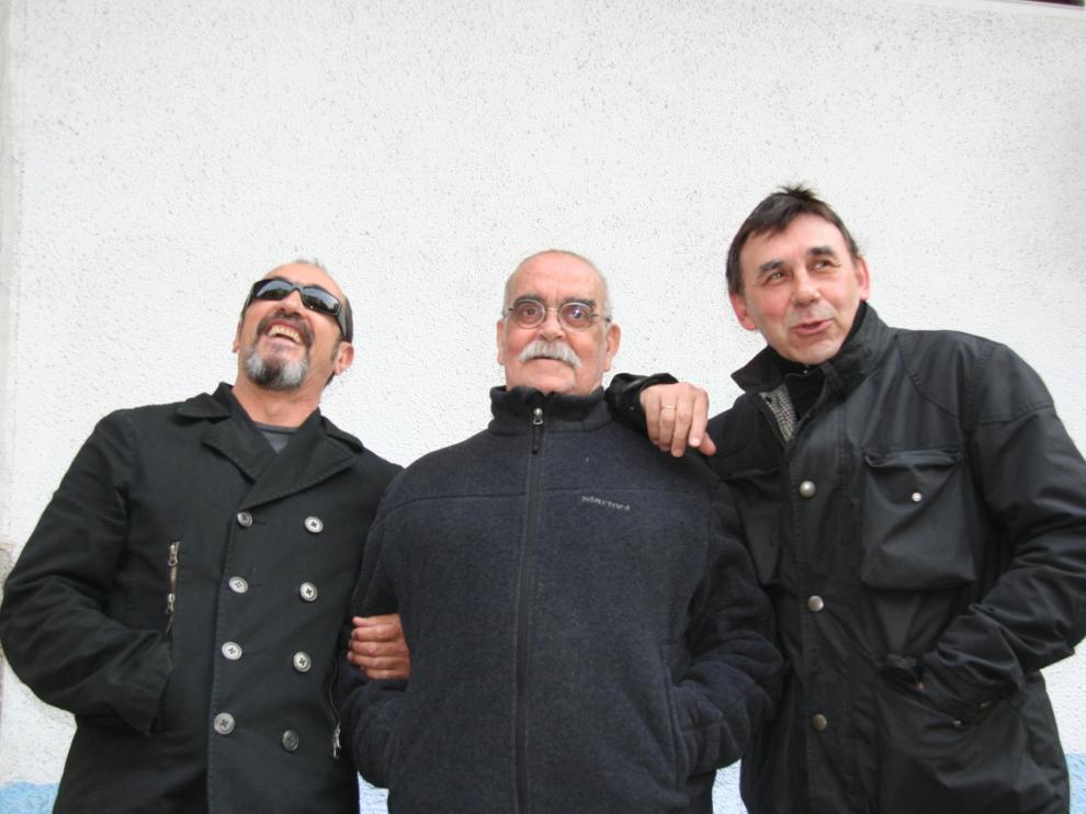 Eduardo Paz, Labordeta y Joaquín Carbonell, años después de aquel 13 de noviembre de 1973.