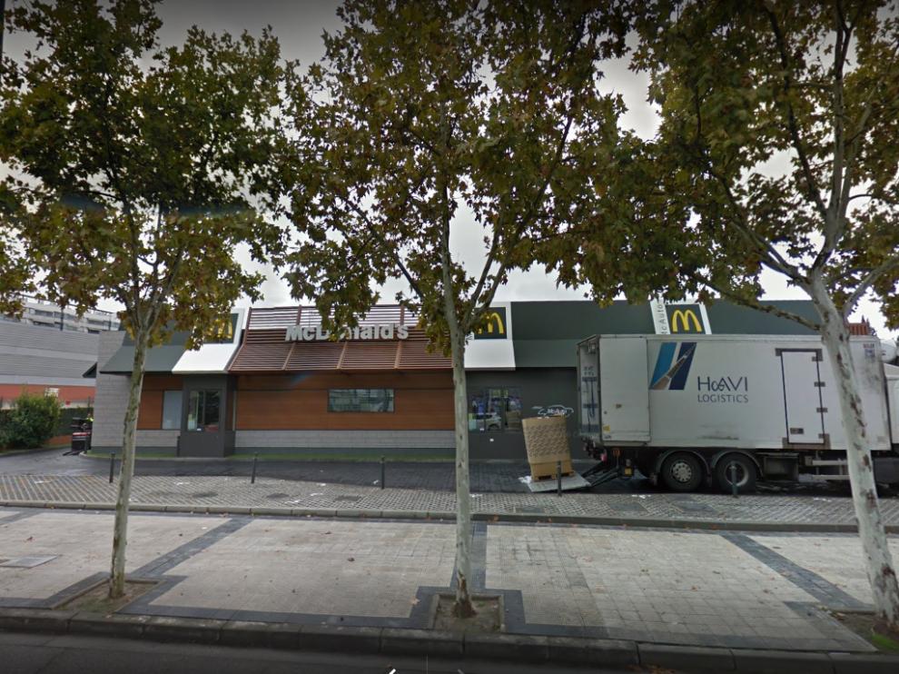 El suceso tuvo lugar en el Mc Donalds de la avenida San Juan de la Peña de Zaragoza