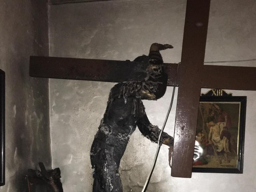 El fuego ha provocado daños importantes en la talla del Nazareno.