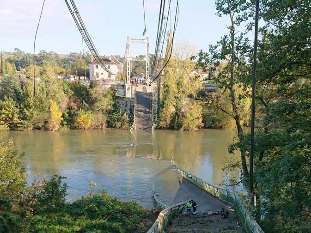 Así ha quedado el puente sobre el río