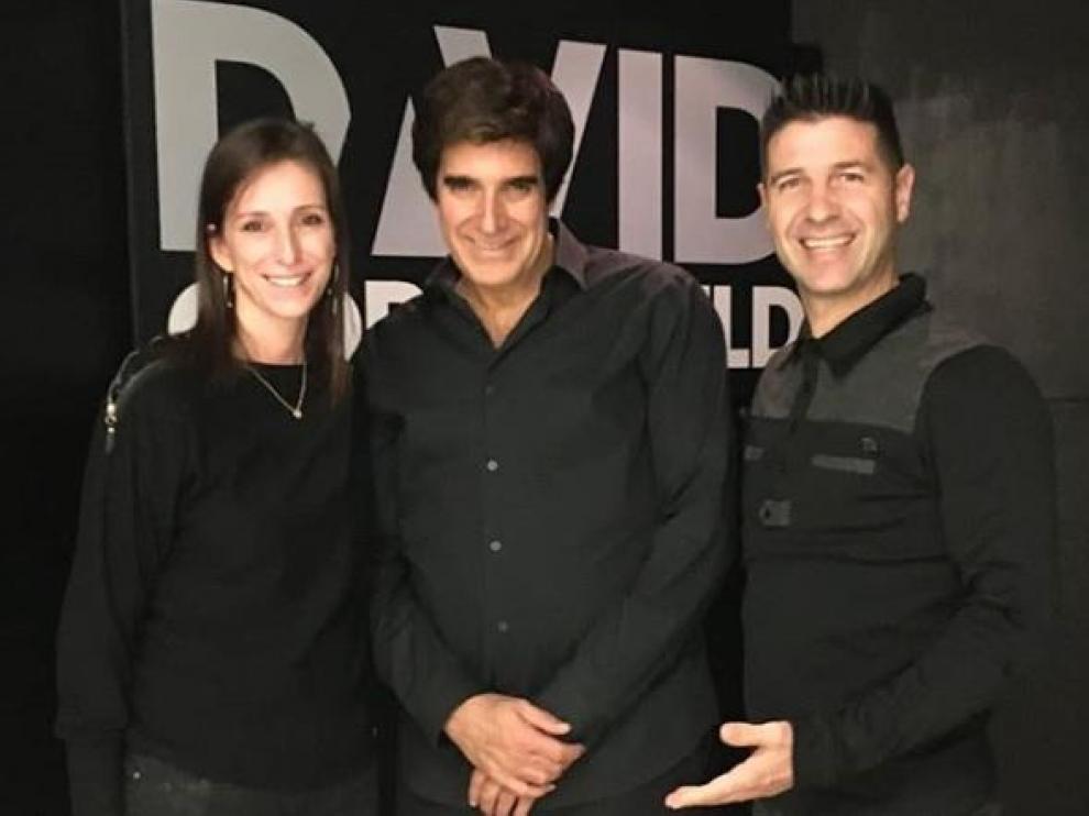 Ismael Civiac y su mujer, Patricia Andreu, se encontraron con David Copperfield.