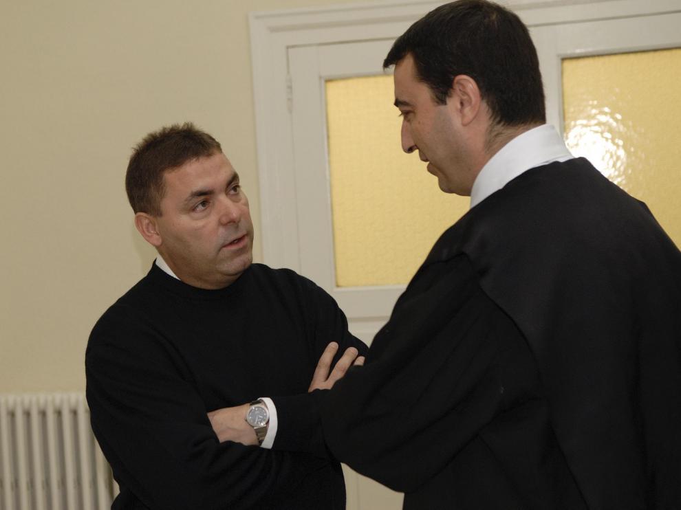 Manuel Royo, Alcalde de Calanda, juzgado por falsedad en documento publico en el juzgado de Teruel. Foto jorge escudero. 29-04-09