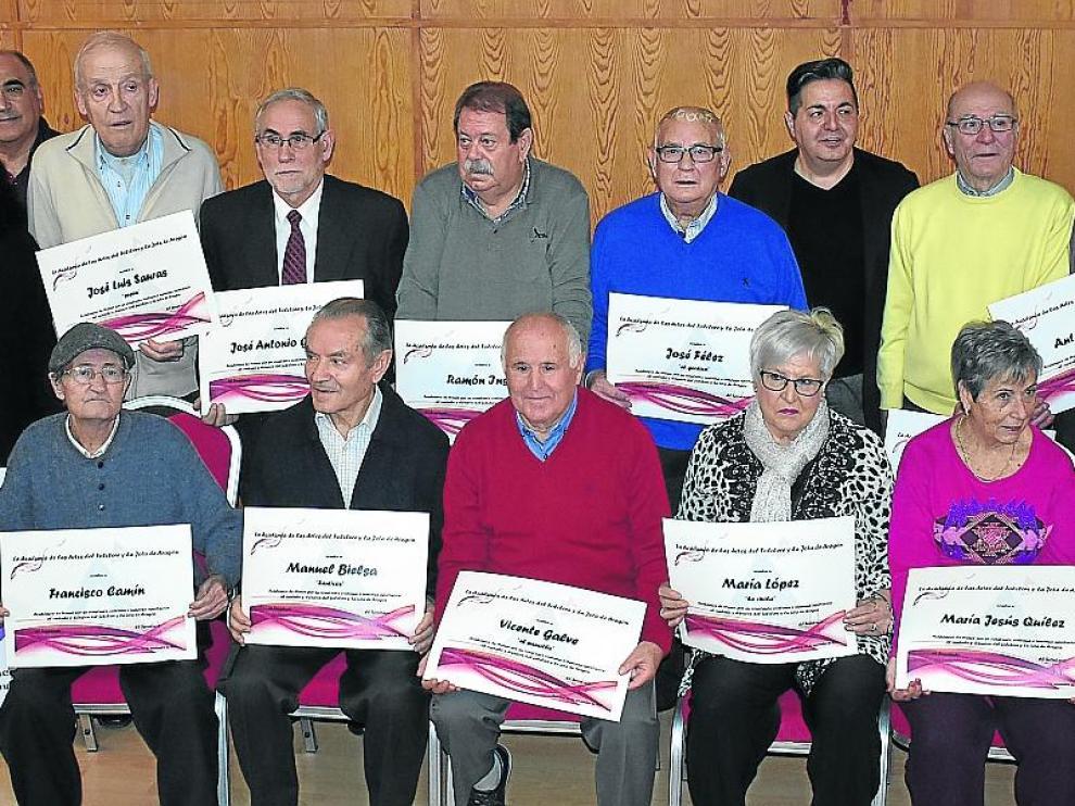 Los homenajeados este sábado por la Academia de la Jota de Aragón en Andorra, con responsables de la entidad desplazados a la localidad.