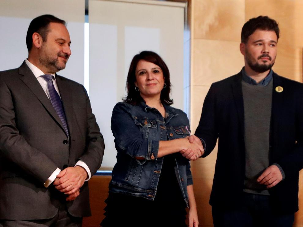 Imagen de la reunión entre los equipos negociadores del PSOE y ERC