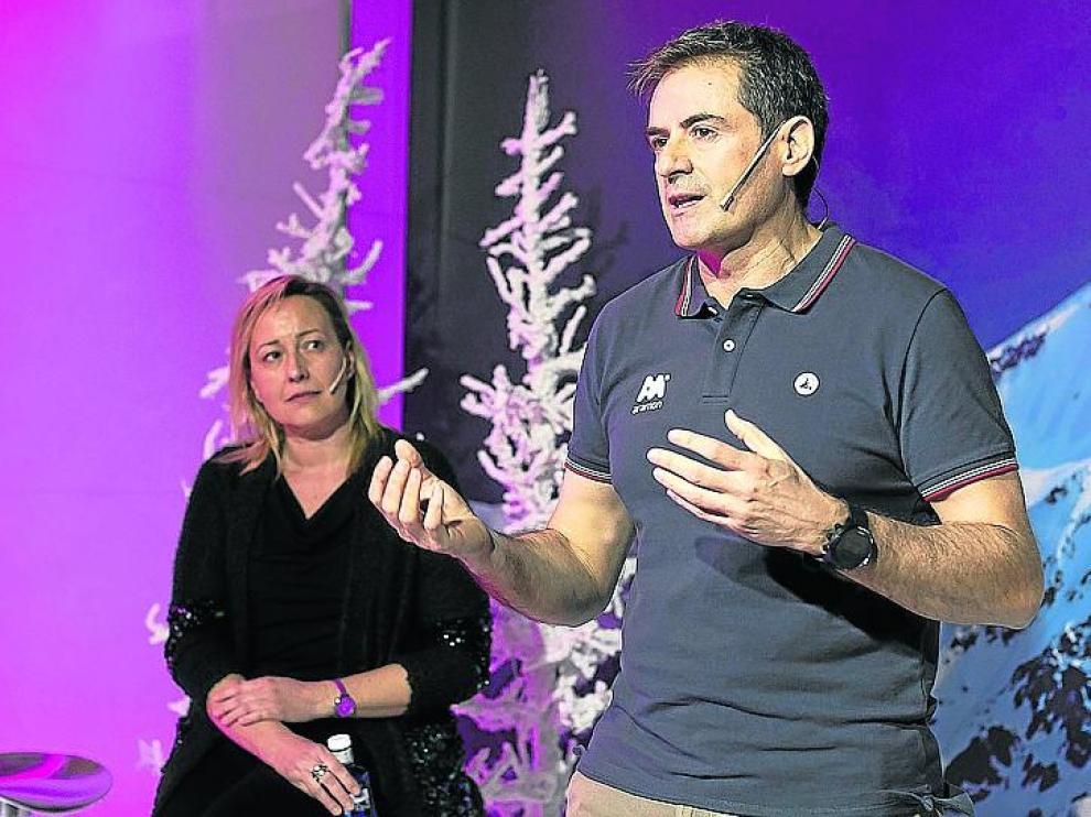 Marta Gastón y Antonio Jericó, en Madrid, durante la presentación de la temporada de esquí.