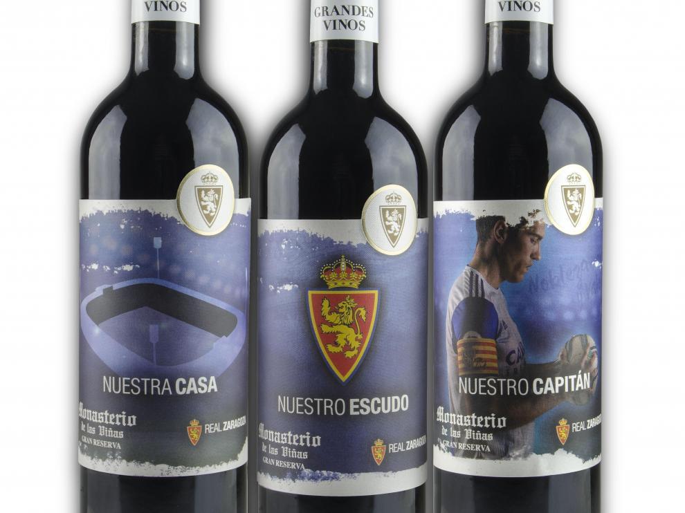 Las tres etiquetas diferentes del vino del Real Zaragoza.