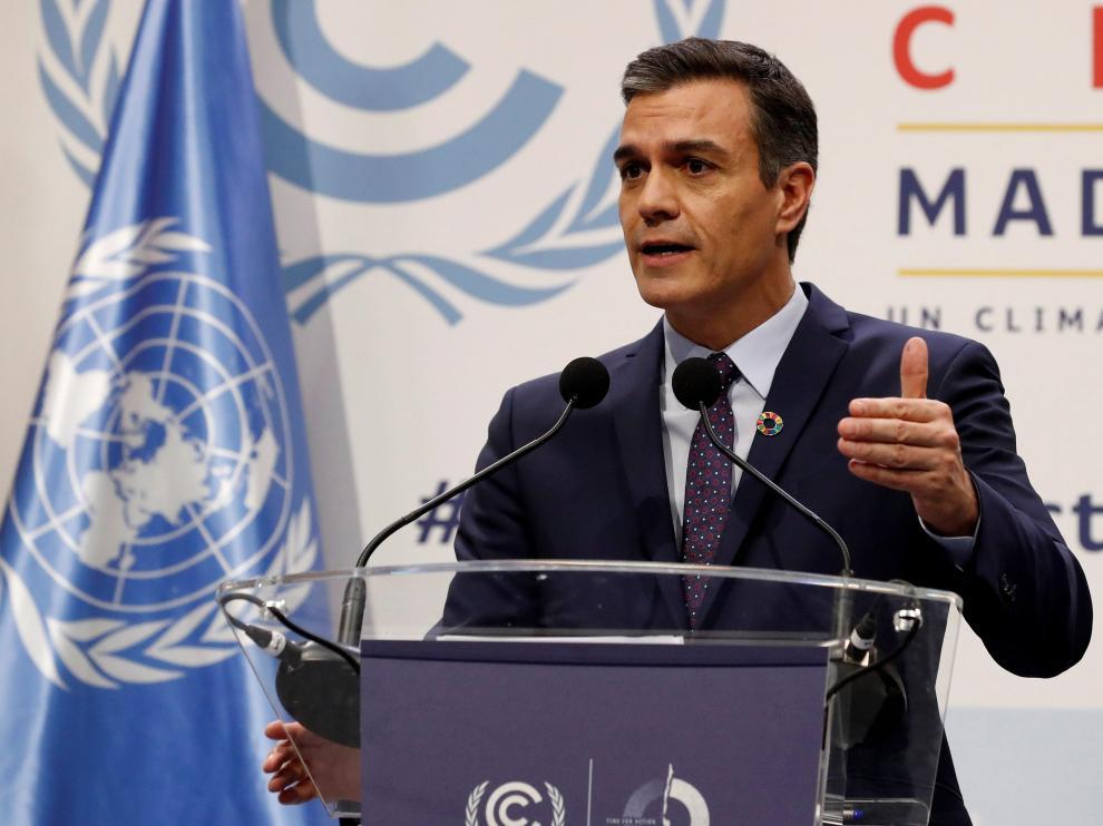 Pedro Sánchez, este lunes durante una rueda de prensa en la cumbre del clima.