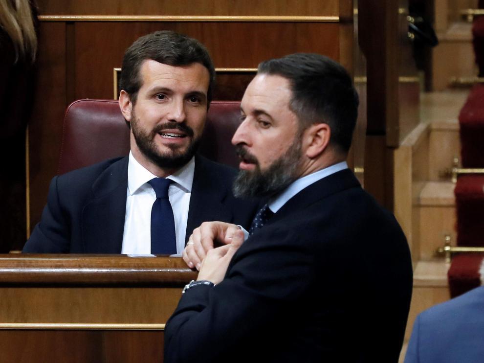 Pablo Casado y Santiago Abascal, esta mañana en el Congreso.