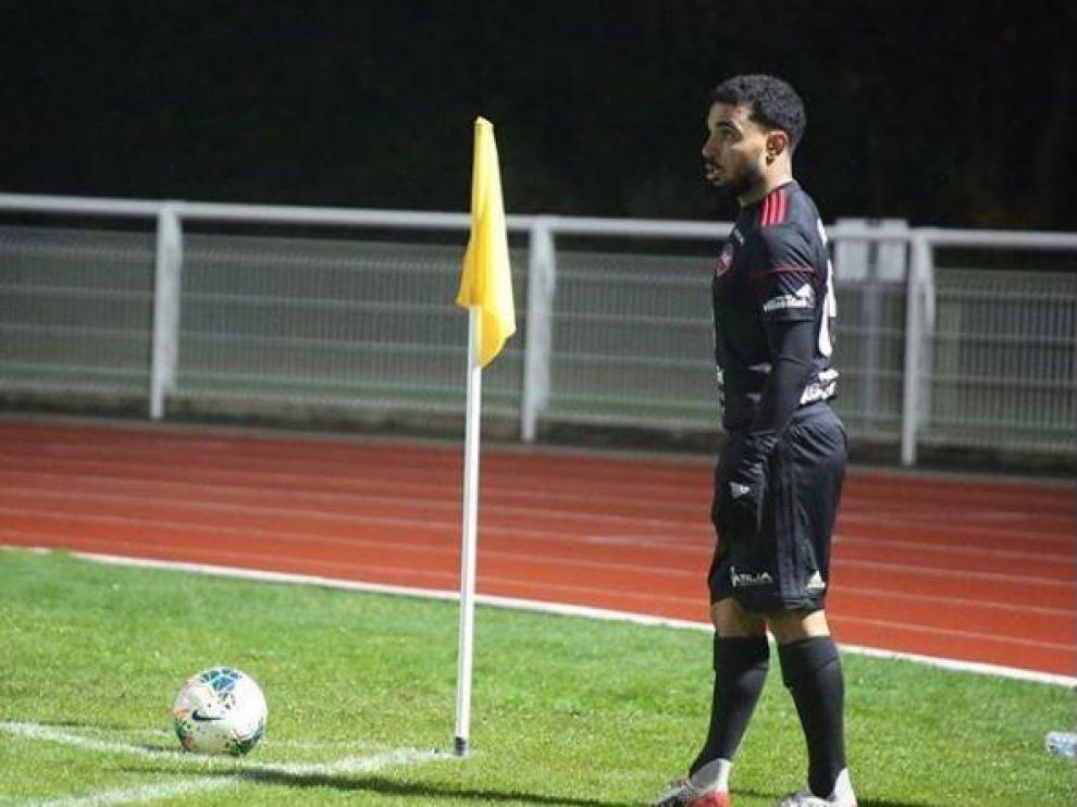 Etinof, con la camiseta de su nuevo equipo, el pasado viernes en su vuelta a los terrenos de juego.