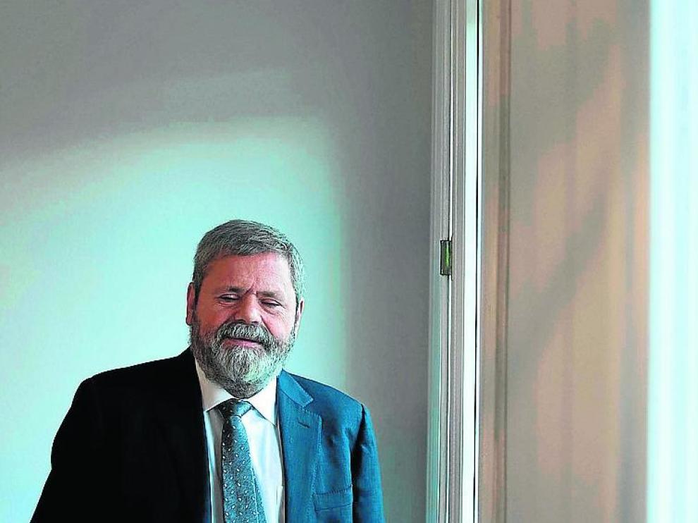 Miguel Durán,en su despacho en Zaragoza.