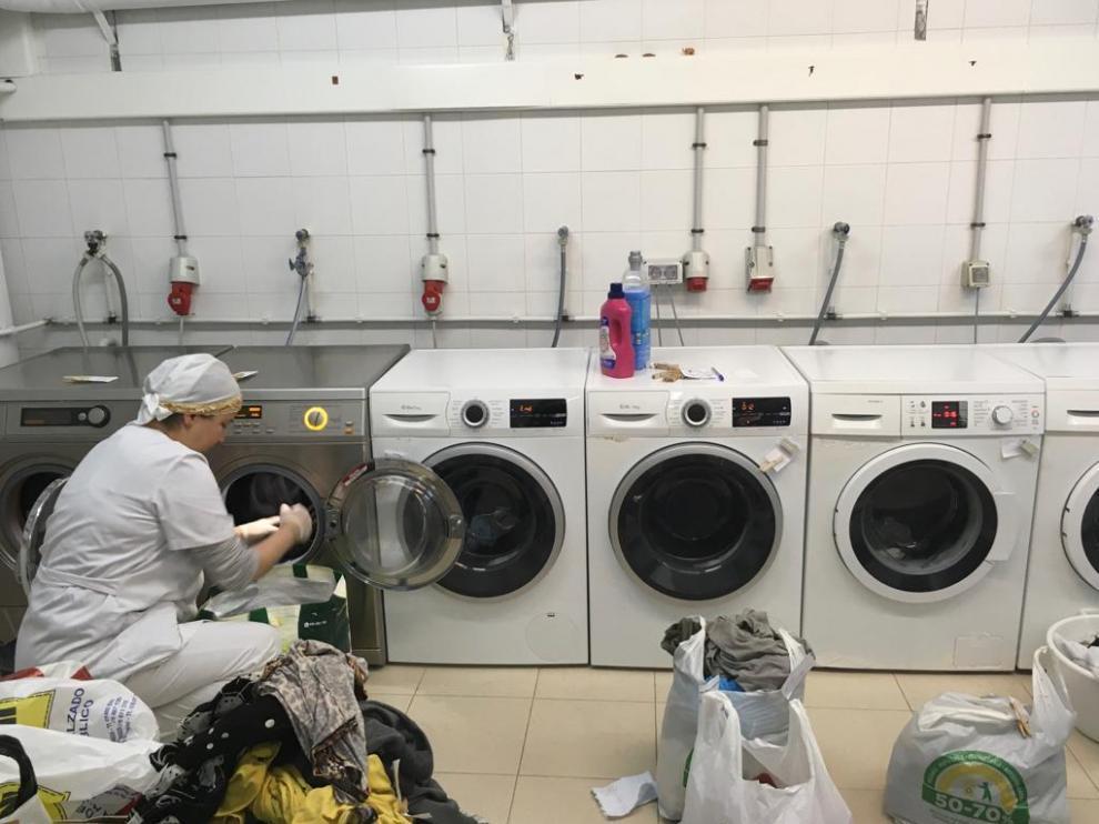 Cuarto de lavadoras del Centro de Acogida Familiar Agustina de Aragón.
