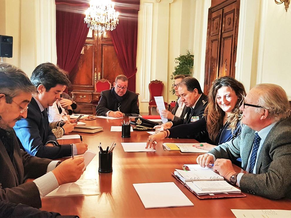 Participantes en la Junta Local de Seguridad celebrada este jueves en Huesca.