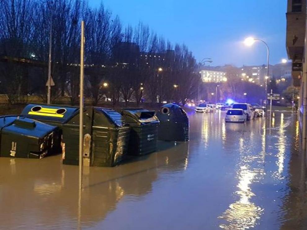 Una calle inundada en Pamplona.