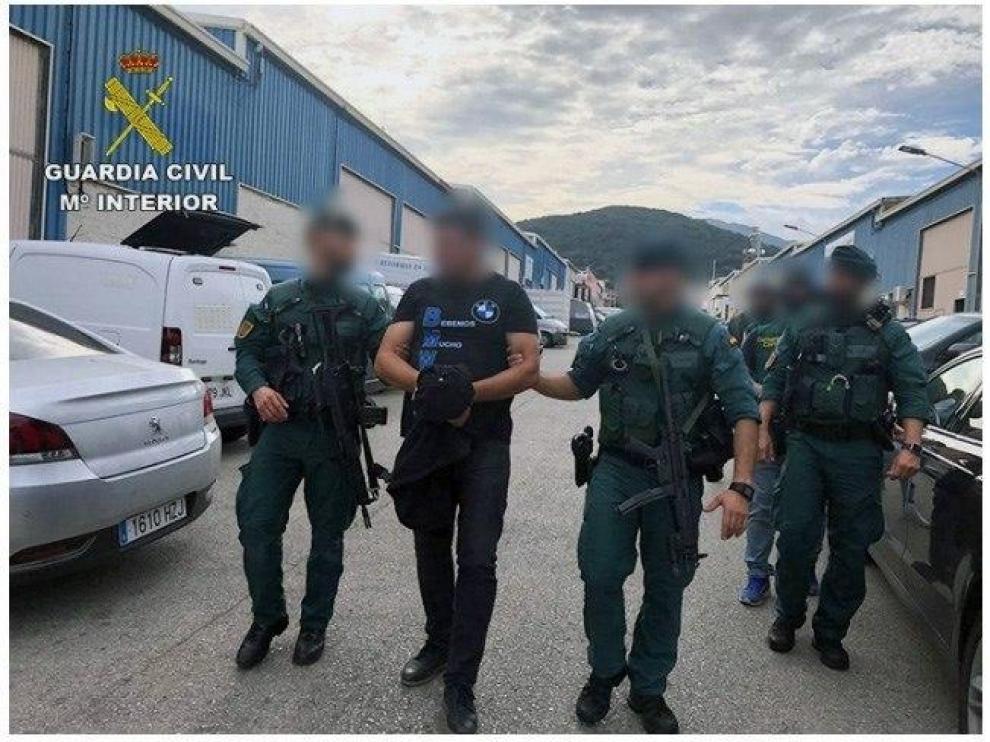 Fotografía facilitada por la Guardia Civil de narcotraficante detenido en Algeciras.