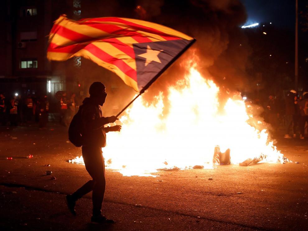 Tensión y disturbios en el clásico Barça-Real Madrid