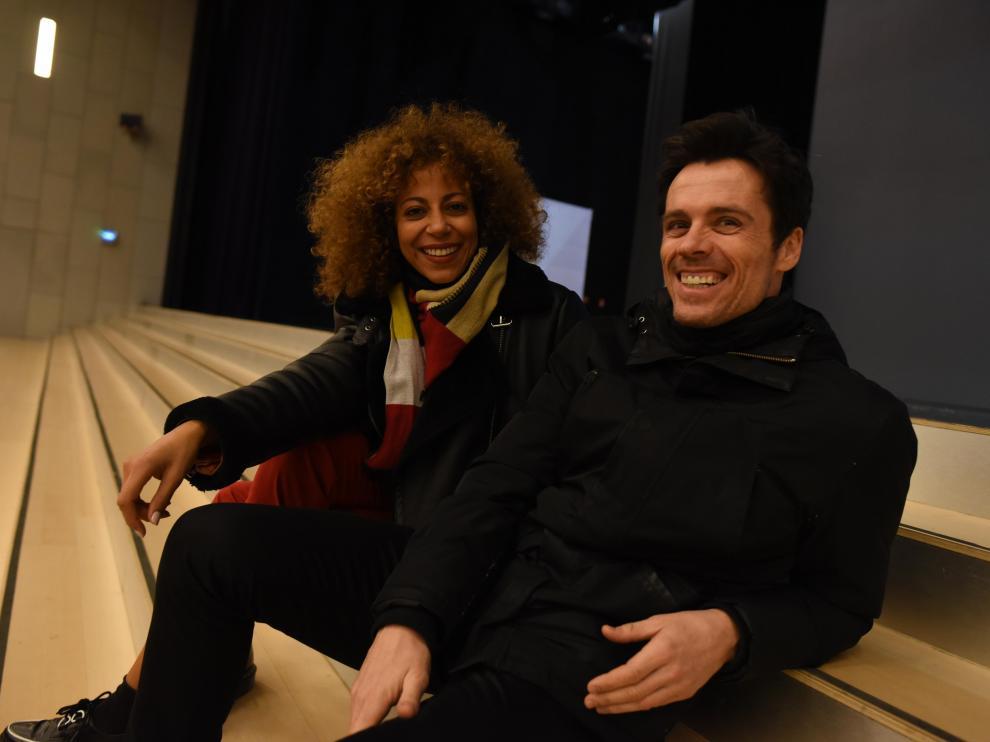 Khaoula Bouchkhi y Octavi Pujades, en la presentación de 'El Guardaespaldas', en el Palacio de la Expo.
