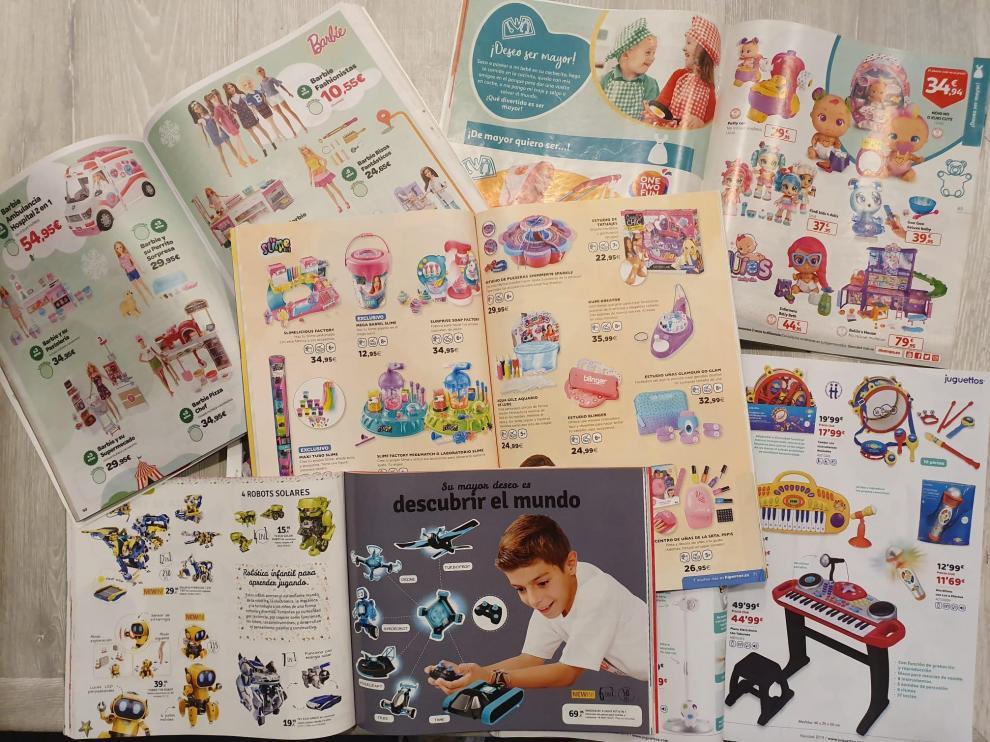 Catálogos de juguetes.