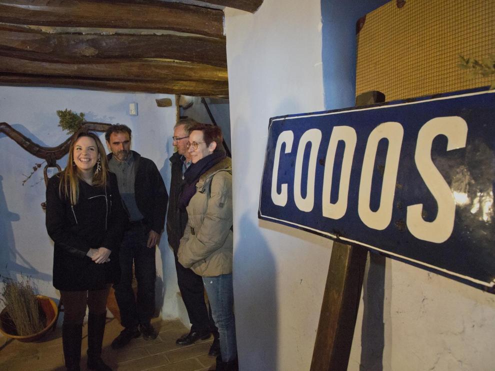 La consejera de Ciencia y Universidad, Maru Díaz visitó la localidad zaragozana de Codos junto a Mayte Ortín, directora de la empresa pública Aragonesa de Servicios Telemáticos.