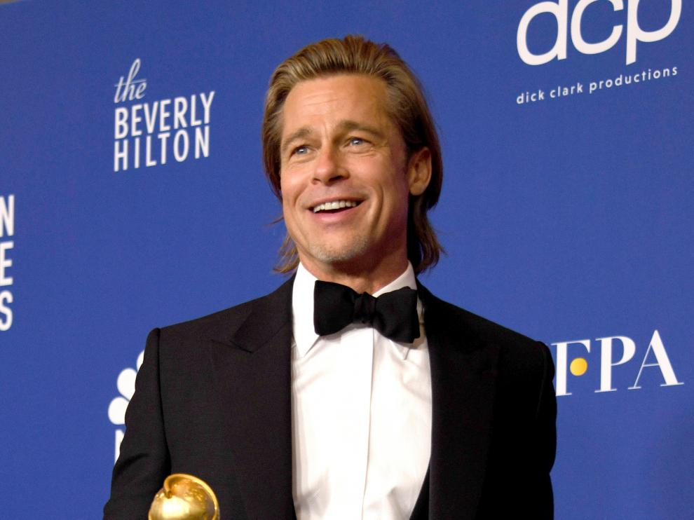 Beverly Hills (United States), 06/01/2020.- Brad Pitt holds the award for Best Performance By An Actor In A Supporting Role In Any Motion Picture for 'Once Upon A Time In Hollywood' in the press room during the 77th annual Golden Globe Awards ceremony at the Beverly Hilton Hotel, in Beverly Hills, California, USA, 05 January 2020. (Estados Unidos) EFE/EPA/CHRISTIAN MONTERROSA Press Room - 77th Golden Globe Awards