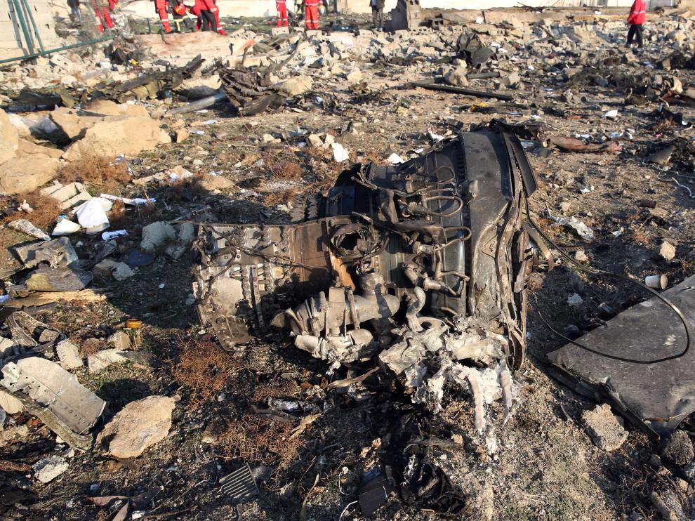 Restos del avión estrellado en Irán