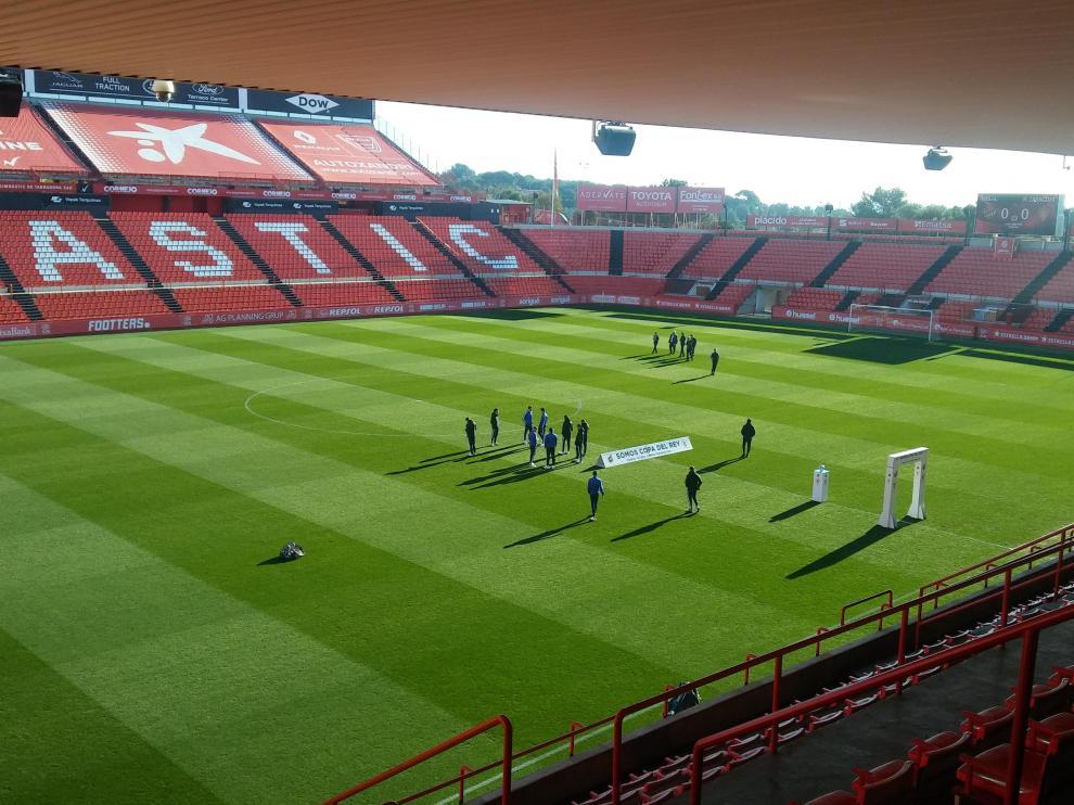 En Tarragona, todo está listo para que arranque el partido.