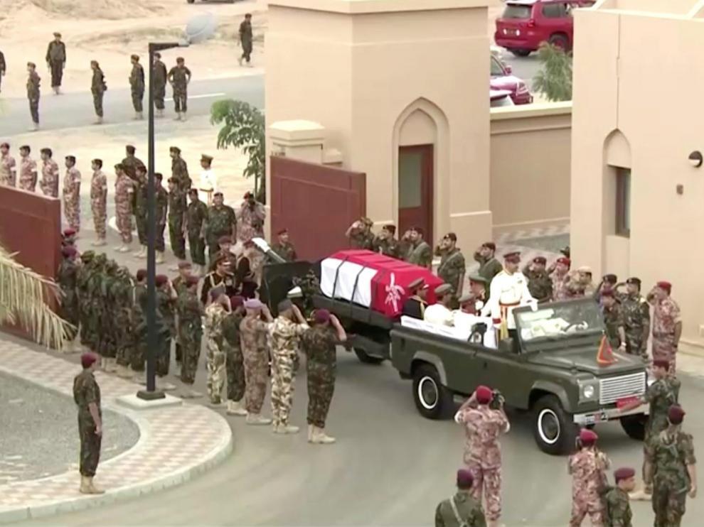 Cortejo fúnebre del fallecido sultán de Omán.