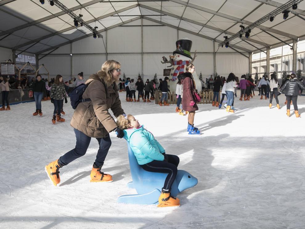 La pista de hielo fu la atracción de la muestra navideña que más afluencia registró durante su último día.