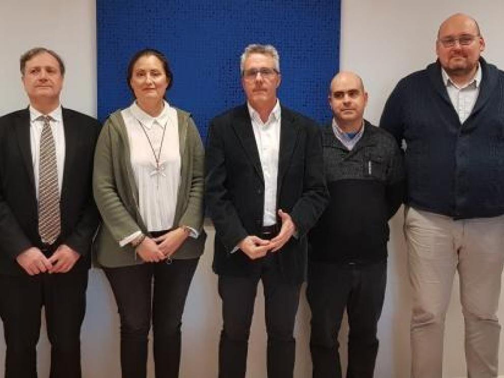 El director general de Deportes, Javier de Diego (en en el centro), junto a los representantes de Cofedar con los que se ha reunido este miércoles